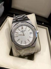 Швейцарские часы Audemars Piguet Royal Oak Extra-Thin 'Jumbo' 15202ST.OO.0944ST.01