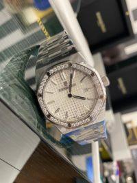 Швейцарские часы Audemars Piguet Royal Oak Quartz Steel 67651ST.ZZ.1261ST.01