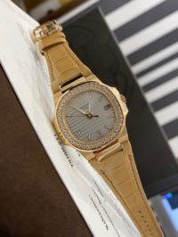 Швейцарские часы Patek Philippe Nautilus 7010R-011
