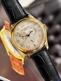 Швейцарские часы Patek Philippe Complicated Watches Annual Calendar 5035j-001